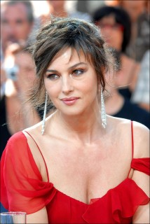 Monica-Bellucci-Hairstyle